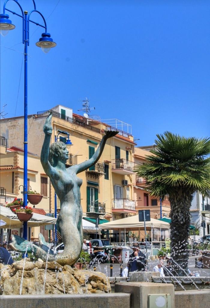 Mondello, statua della Sirenetta
